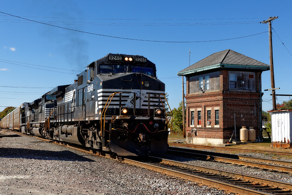 With solid NS power, train 28N eases past the AY tower in Ayer, MA. 10/8/2015 - 598C9050dK