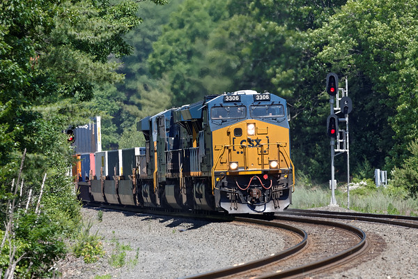 CSX train Q022 in the S-curves at MP60 in Spencer, MA. 6/20/2016 - 598C9531dK