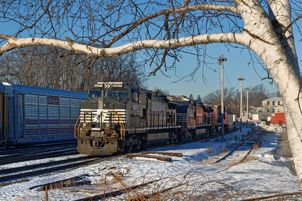 Train 22K had come into the Gardner MA yard on Monday and as of this morning (Tuesday) it still sits idling and crewless. 12/20/2016 - 598C9353dK