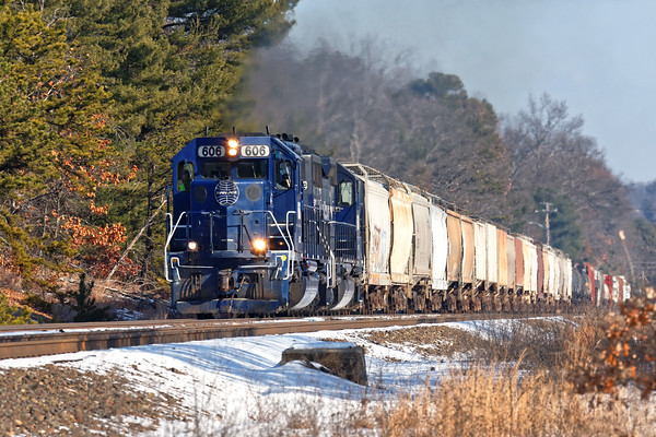 After switching in Ayer, and a long delay waiting for commuters to clear, train POED finally heads west.. 12/14/2016 - 598C9263dK