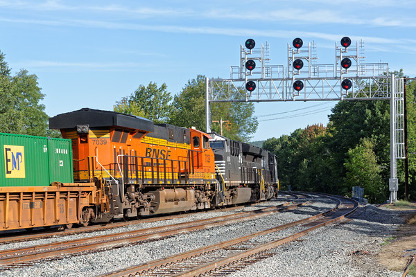 The same train 22K eases down the hill at Wachusett and under the new bridge with the recently activated signals. 9/21/2016 - 598C5986dK