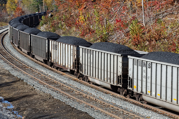 Lots of coal for Bow. 10/31/2016 - 598C7239dK