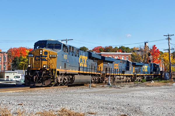 In the center of Ayer, train SEPO takes the east leg of the wye on it's way down to Worcester. 10/19/2016 - 598C6838dK