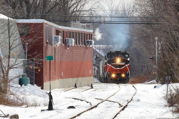 P&W train WOGR crosses Rte 2A on it's way into the Pan Am yard in Gardner, MA. 1/22/2016 - 598C2536dK