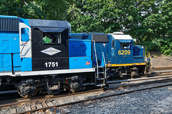 At MP83, MCER 1751 holds the yard lead, CSX train B740, the Springfield Local, heads west on the controlled siding. 7/7/2016 - 598C0179dK