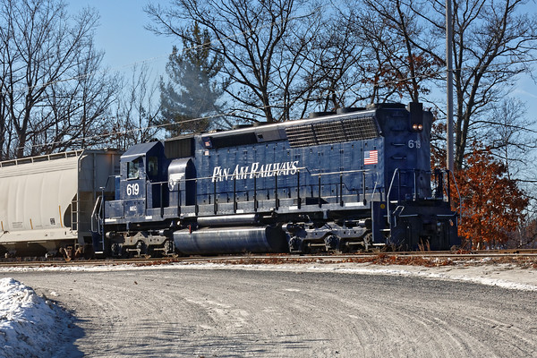 In Ayer, AY-1(MEC 619) was working the Hill Yard. 12/20/2016 - 598C9366dK