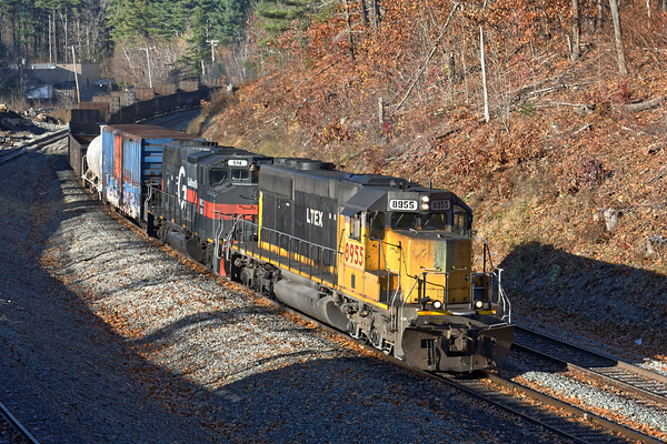 """Today, I got to spend part of a beautiful late Fall day on the B&M. Not a lot was moving as things were pretty jammed up to the East, but train EDPO did make an appearance at the Wachusett """"T"""" station and was promptly put in the hole at MP333.<br /> 11/18/2016 - 598C7912dK"""