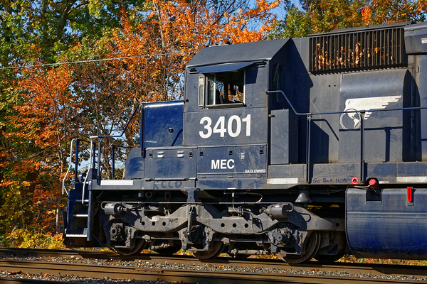 In the Hill Yard, MEC 3401 was being used as local switcher AY-1. 10/19/2016 - 598C6824dK