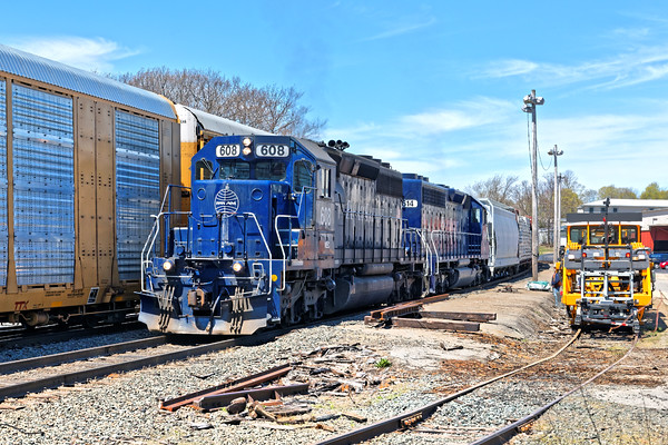 Due to congestion in Gardner, 287 held track 2 so train EDPO, with Pan Am 608 leading, could come east on track 1. 5/10/2016 - 598C7816dK