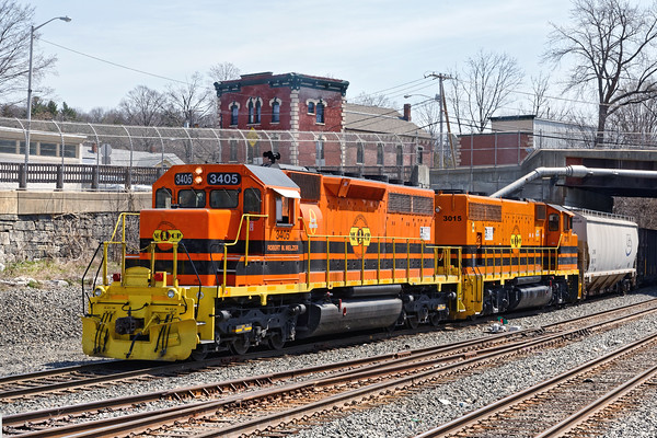A pair of NECR pumpkins, #3405 & #3015, switching in the CSX yard at MP83 in Palmer, MA. 4/18/2016 - 598C6926dK