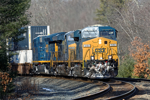 Preview of things to come - eastbound CSX stack train with snow on the running gear hits the S-curves at MP60 in Spencer, MA. 12/11/2016 - 598C9122dK