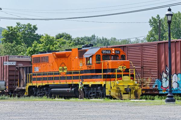 Palmer Pumpkins - NECR GP40 #3015 and NECR GP38 #2048 were both working the yard at MP83 in Palmer, MA. 7/18/2016 - 598C0853dK
