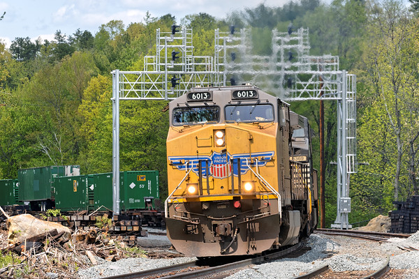 The surprise of the day was train 23K sporting two NS units and a UP leader coming up the hill under the new signal bridge at Wachusetts. Earlier in the day, this same consist was being used for switching in Ayer as AY-1. 5/20/2016 - 598C8326dK