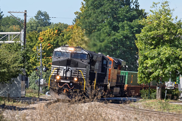 Almost a meet in Shirley as 22K, yup, the same 22K, comes through immediately after the westbound. 9/21/2016 - 598C6050dK