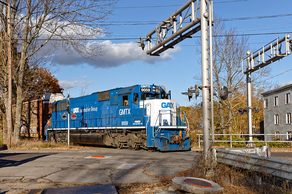 Bringing up the rear of P&W train WOGR is GMTX 9059 which will lead train GRWO on the way back to Worcester.. 10/19/2016 - 598C6974daK