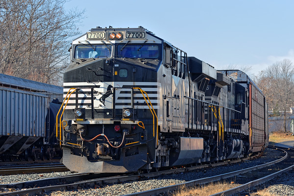 In Gardner, in the early afternoon, train 28N dropped auto racks for the P&W then was tied down for a crew change. 11/18/2016 - 598C7945dK