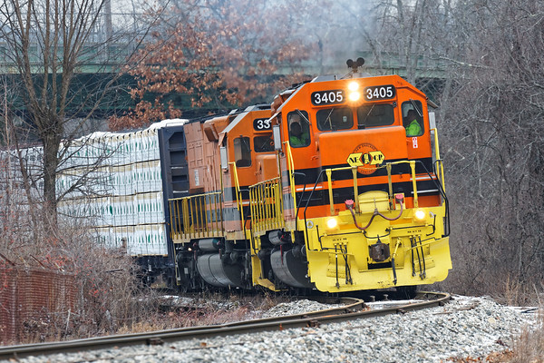 With 3405 on the point and 3317 following, NECR train 603 heads south into Monson MA with 15 loads and 40 something empties.<br /> 12/22/2016 - 598C9463dK