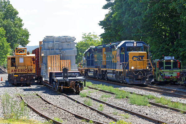 Busy place - B740 works the yard at MP83 between the OD load and the tie gang. 8/9/2016 - 598C3215dK