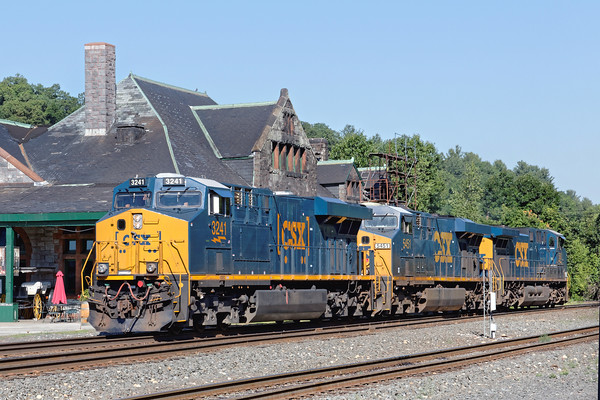 CSX Q422 light power heads back to it's train in the Palmer, MA yard. 7/27/2016 - 598C2198dK