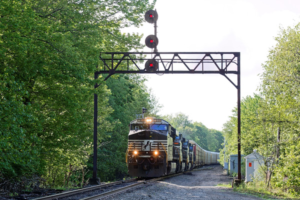 I spent yesterday on the B&M from Gardner to Wachusetts to Ayer. The day started with train 287 easing out of the Gardner yard under the ancient signal bridge at Parkers - CPF 346. Given that new signals have recently been installed, I would venture a guess that this bridge's days are numbered...<br /> 6/6/2016 - 598C8780dK