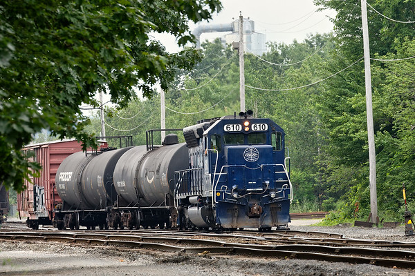 Spent a HOT summer day on the B&M today and it started with AY-1 switching the Hill Yard in Ayer. 7/12/2017 - 598C2621dK
