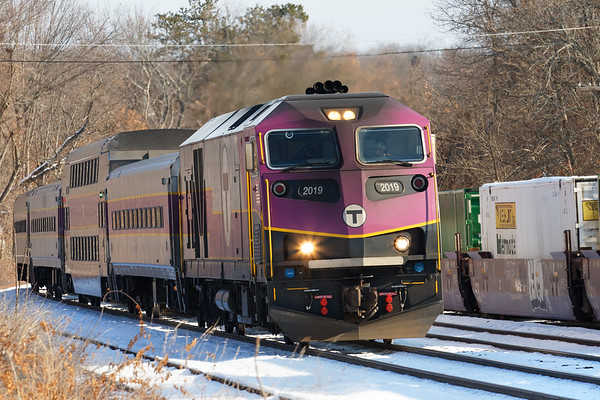 """One of many outbound afternoon """"T"""" commuter trains just west of the Ayer station. 12/14/2017 - 598C4893dK"""