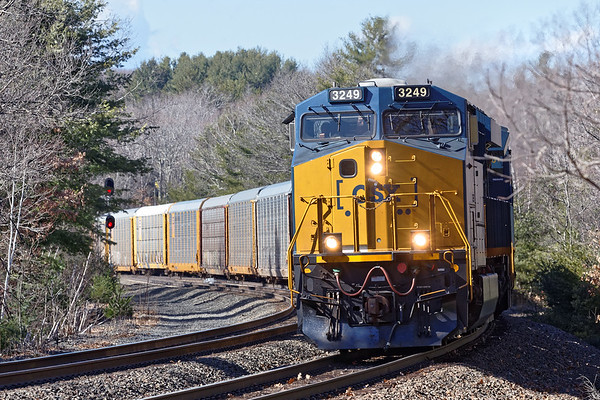 CSX train Q264 crosses over from the main to the siding at MP60 in Spencer MA. 3/7/2017 - 598C0658dK
