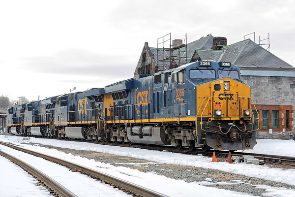 Lately, it's rare to have much activity on CSX so this morning was particularly interesting. Q437 was stranded in Palmer with unresponsive brakes on two units. Springfield sent 4 units east to assist. 3/21/2017 - 598C0918dK