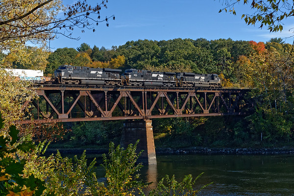 After ED-9 clears, 22K heads east across the iron bridge. 10/19/2017 - 598C4159dK