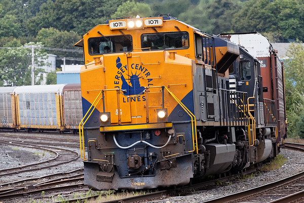 NS 1071, the Jersey Central Lines Heritage Unit, leads train 28N into the yard at Gardner MA.<br /> 8/30/2017 - 6V4A6566dK