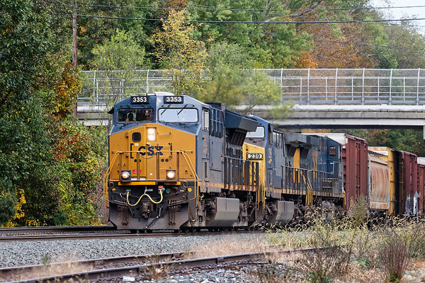 Train Q427 was next up at MP64 in East Brookfield MA. 10/11/2017 - 598C4043dK