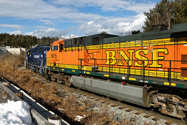 Mixed grain train power on the loop track at the milling in Ayer MA. Take a bright clean pumpkin, add some direct sun and the color really pops! 1/29/2017 - 6V4A0130dK