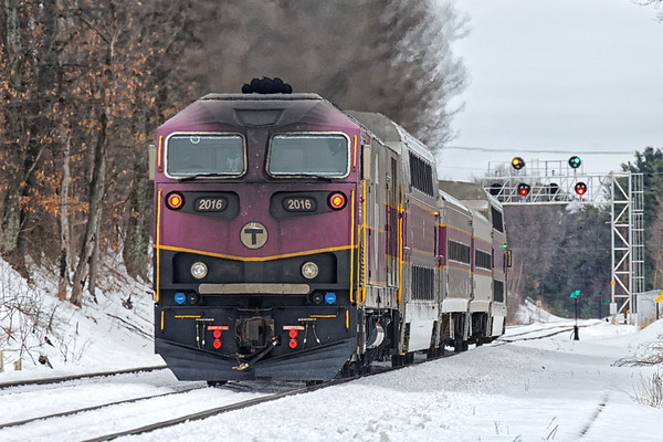 My friend Anthony and I spent a few hours of the last day of Winter on the B&M. Traffic was slow but we managed to find a few trains...and have a few corn dogs along the way! Started with an inbound commuter departing the North Leominster station. 3/19/2017 - 598C0778dK