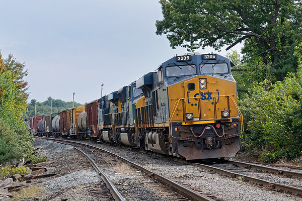 Train POSE idles at the Willows, waiting for a green to head into Ayer. 9/14/2017 - 598C3630dK
