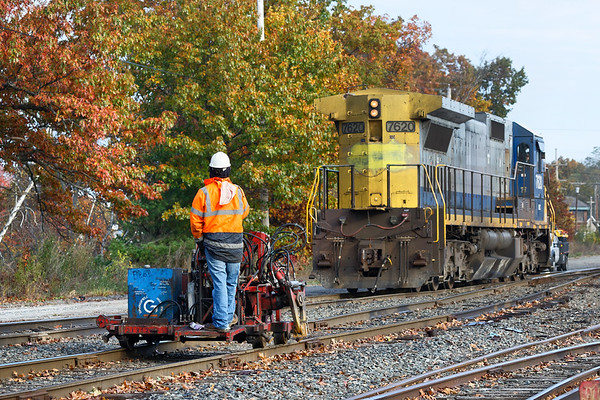 You stay on your track, I'll stay on mine...<br /> Pan Am switcher AY-3 eases into the Hill Yard in Ayer MA. 11/1/2017 - 598C4261dK