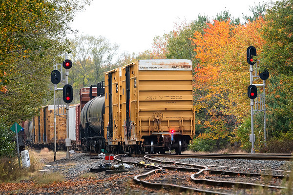 All was well with FRED as Q427 cleared the signals at MP64. 10/11/2017 - 598C4060dK
