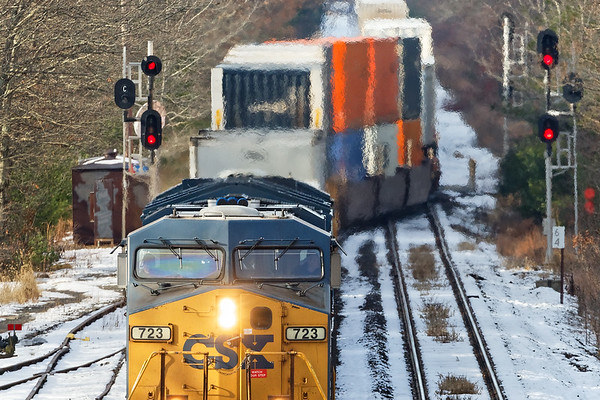 Train Q012 and lots of jello air at MP64 in East Brookfield MA on a cold Thanksgiving eve.<br /> 11/21/2018