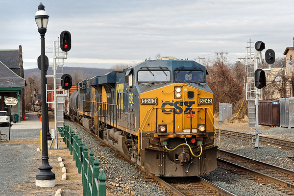 Back in Palmer, train Q426 splits the signals at MP83.<br /> 12/6/2018