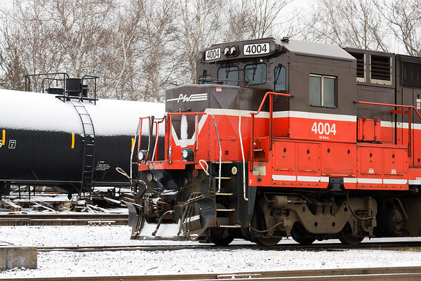 Dusted with a light overnight snow, P&W B40-8 #4004 sits idling in front of the engine house in Worcester MA. 3/5/2018