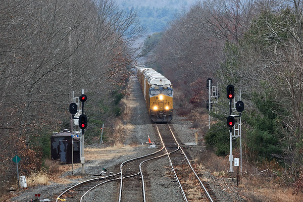 Another view of 264 from the bridge at MP64 in East Brookfield MA.<br /> 11/14/2019