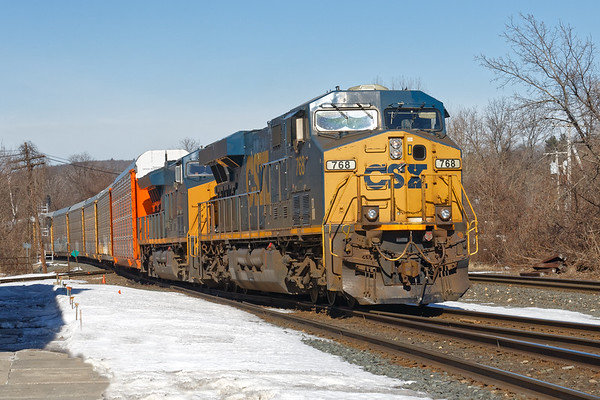 In an unusual move, Q264 takes the siding at MP83.<br /> 3/13/2019
