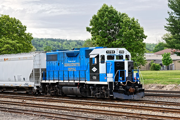 MCER 1751 works the east end of the CSX yard at MP83 in Palmer MA.<br /> 5/28/2019