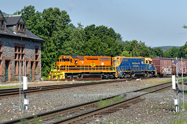 NECR 3478 and NECR 3845 switching across the Palmer MA diamond.<br /> 7/14/2019