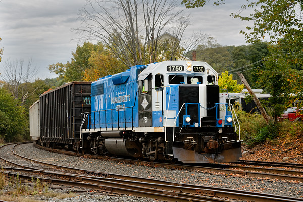 MCER switching in the Ware MA yard.<br /> 10/2/2019