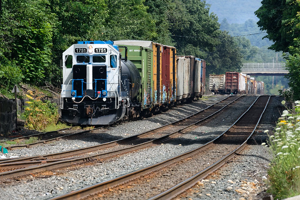 MCER 1751 works the CSX yard at MP83 in Palmer MA.<br /> 7/18/2019