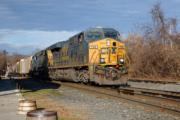 Q436 eases into Palmer MA to work the CSX yard before heading to Framingham.<br /> 11/15/2020