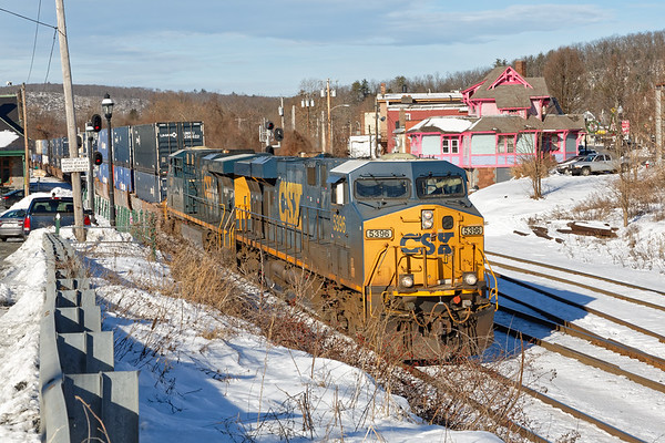 Q022 came through MP83 with a long train with two units on the point but surprisingly, no DPU.<br /> 12/23/2020