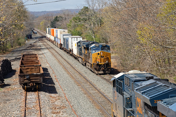 Next up was Q008 with a tiny train which DS tucked into the siding temporarily to let Q427 head west.<br /> 5/7/2020