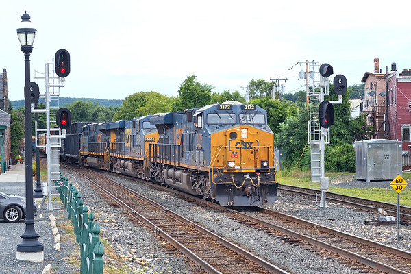 Q426 splits the signals at MP83 in Palmer MA.<br /> 8/2/2020
