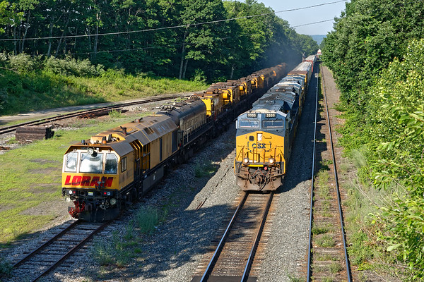 Hangin' with LORAM...<br /> Hoped that we'd get some Loram action soon, but the morning parade was starting with Q020.<br /> 7/6/2020